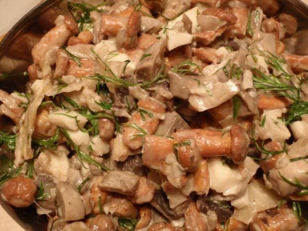Sałatka gajowego do mięsa grillowanego