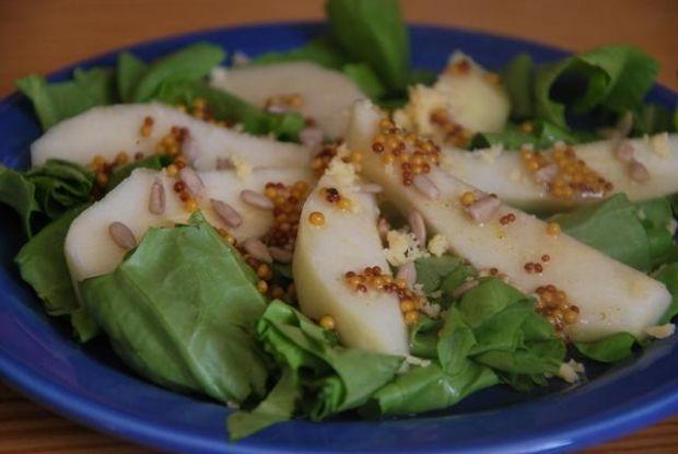Sałatka gruszkowa z ziarnami