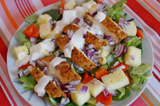 Przepis Salatka Hawajska Z Kurczakiem I Ananasem Przepis Gotujmy Pl