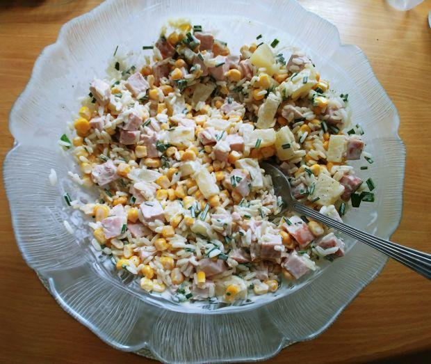 Sałatka hawajska z ryżem