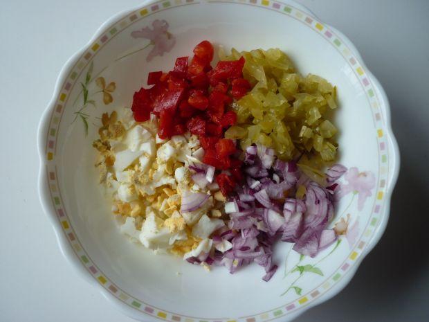Sałatka jajeczna z chrzanem