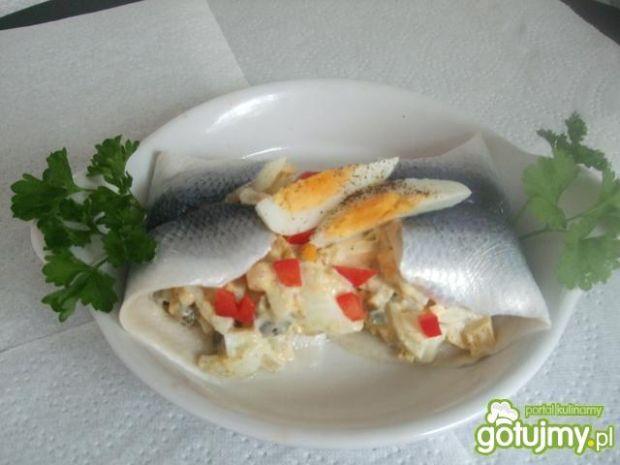 Salatka jarzynowa w sledziku