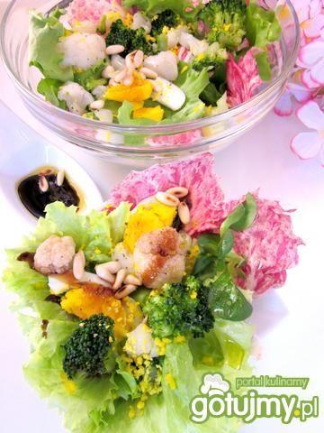 Sałatka kalafiorowo-brokułowa wiosennie