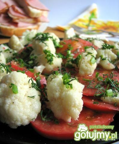 Sałatka - kiszony kalafior z pomidorem