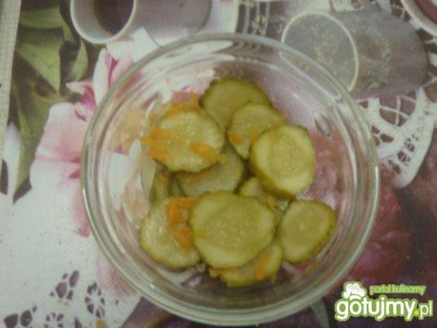 Sałatka konserwowa z ogórków