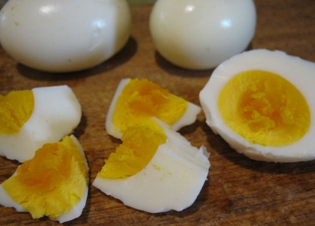 Sałatka majonezowa z warzywami i jajkiem