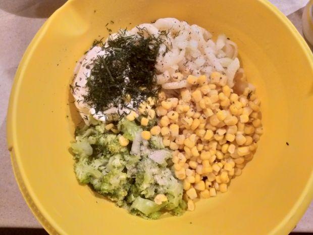 Sałatka makaronowa z brokułem