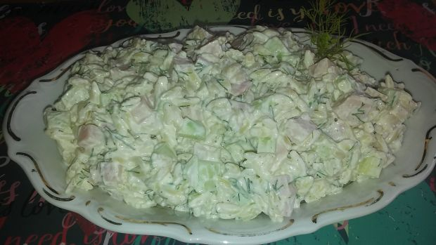 Sałatka makaronowa z koperkiem