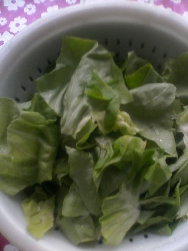 Sałatka masłowa mięsno - owocowa