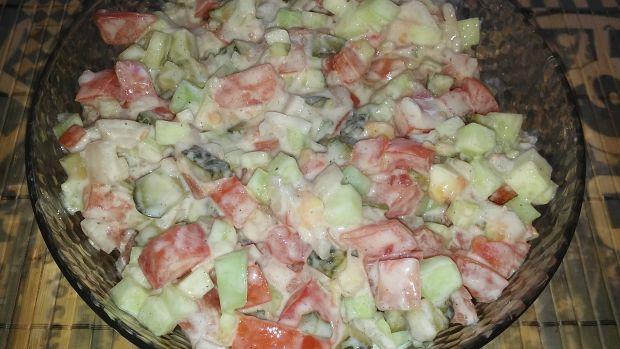 Sałatka ogórkowa z pomidorem