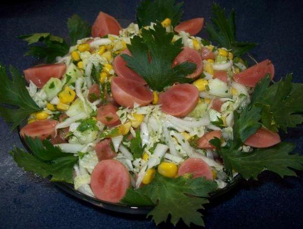 Sałatka ogrodowa z rzodkiewką marynowaną