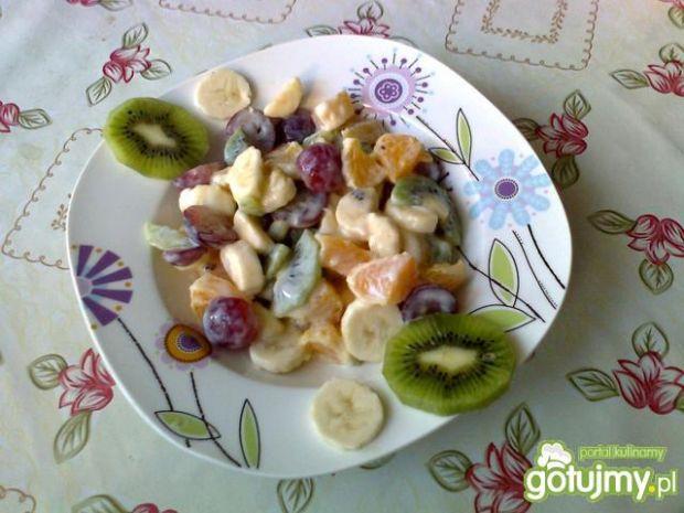 Sałatka owocowa z jogurtem 4
