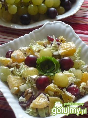 Sałatka owocowa z orzechami 4