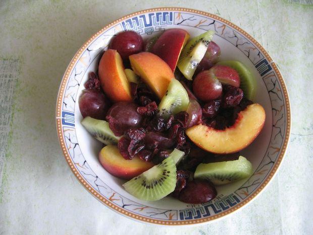 Sałatka owocowa z żurawiną