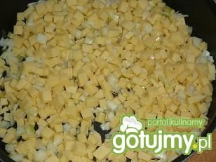 Sałatka pieczarkowa z żółtym serem
