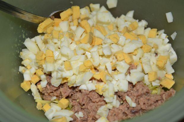 Sałatka porowa z tuńczykiem i jajem