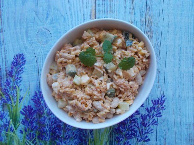 Sałatka ryżowa w meksykańskim stylu