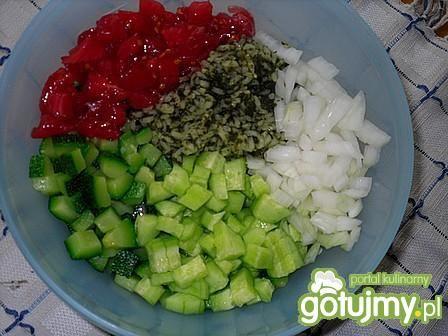 Sałatka ryżowa z cukinią 2