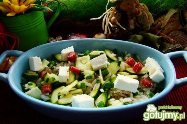 Sałatka ryżowa z cukinią i fetą