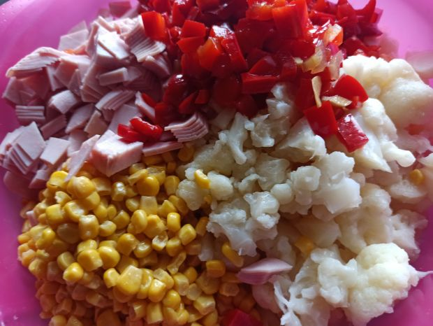 Sałatka ryżowa z kalafiorem