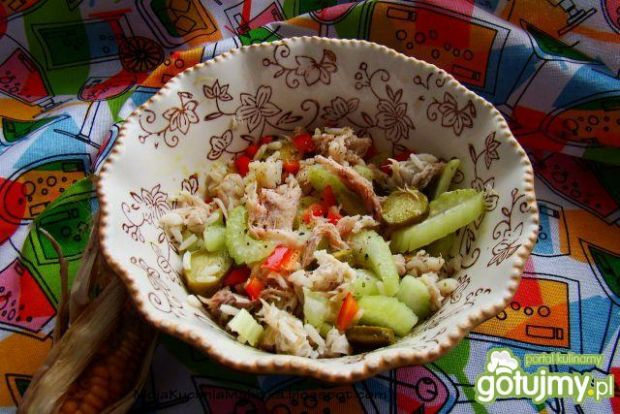 Sałatka ryżowa z makrelą i selerem