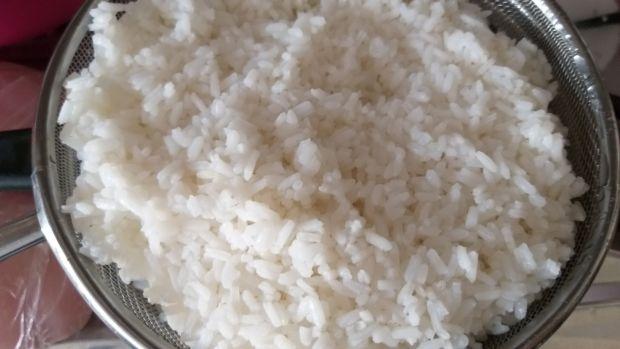 Sałatka ryżowa z mortadelą