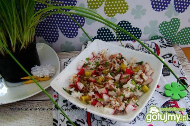 Sałatka ryżowa z nowalijkami