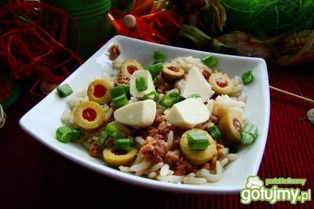 Sałatka ryżowo tuńczykowa z mozzarellą