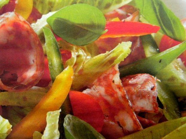 Sałatka rzymska z salami