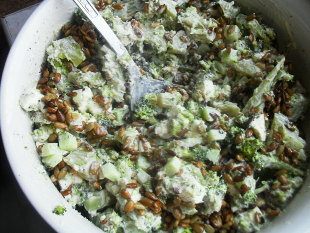 Sałatka ser feta i brokuły