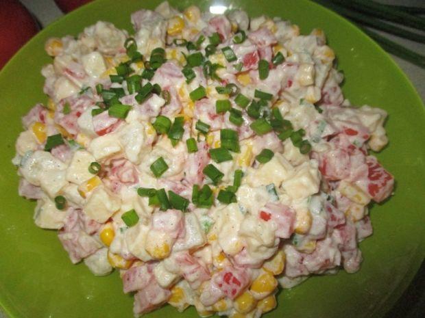 Sałatka serowo-warzywna