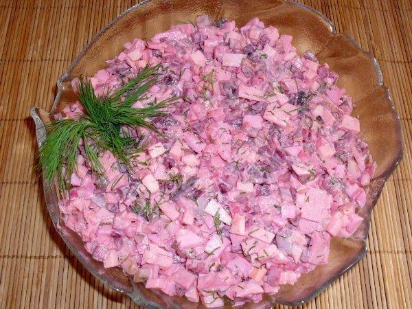 Salatka sledziowa.