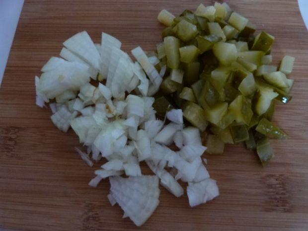 Sałatka śledziowa z oliwkami i pomidorami