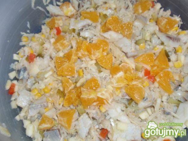 Sałatka sledziowa z pomaranczą
