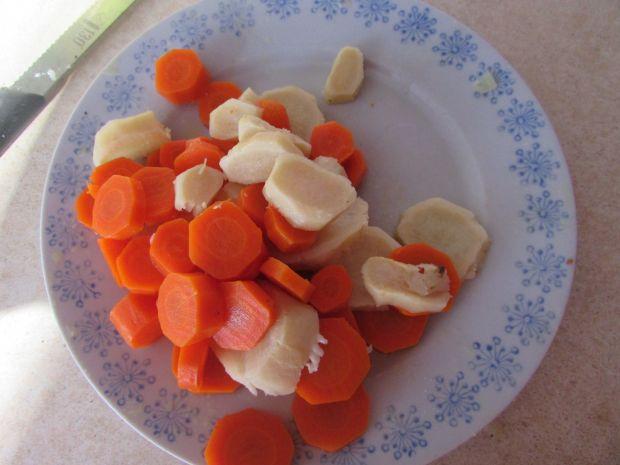 Sałatka śledziowa z warzywami
