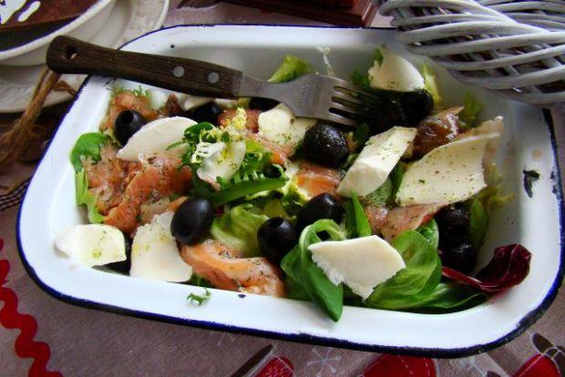 Sałatka śródziemnomorska z oliwkami
