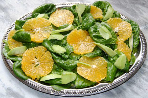 Sałatka - szpinak z pomarańczą