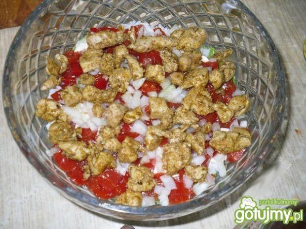 Sałatka warstwowa z ryżem