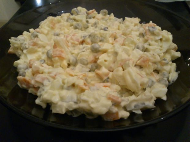Sałatka warzywna z pasternaku z majonezem