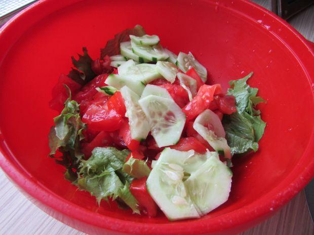 Sałatka warzywna z sałatą lodową
