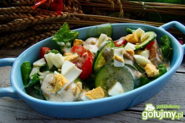 Sałatka warzywna z sosem Cezara