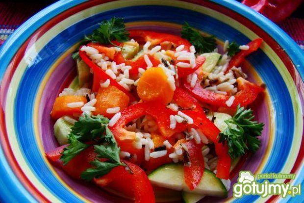 Sałatka warzywno ryżowa