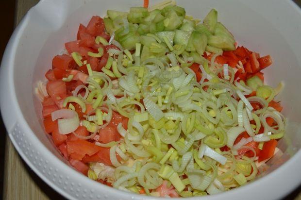 Sałatka warzywno-serowa