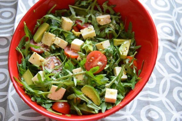Przepis Salatka Z Awokado Rukola Pomidorkami Koktajlowym Przepis Gotujmy Pl