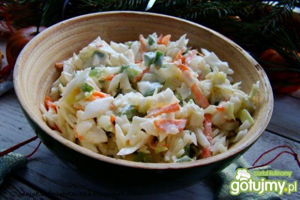 Sałatka z białej kapusty i zielonej papr