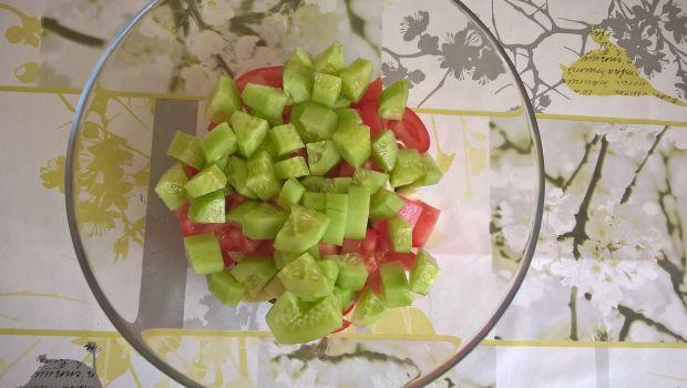 Sałatka z bobem, chilli i mozarellą