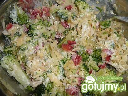 Sałatka z brokłami