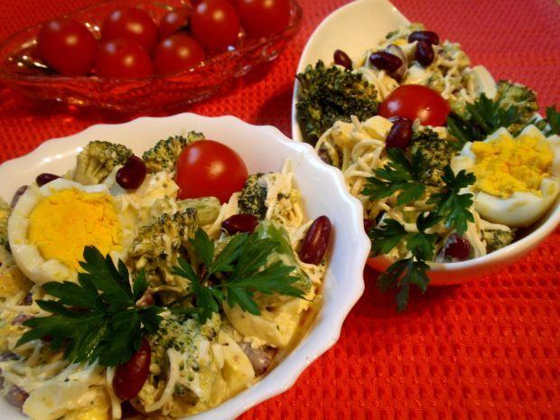 Sałatka z brokuła i czerwonej fasolki
