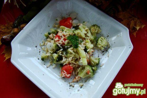 Sałatka z brokułam i ryżem