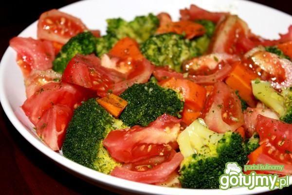 Sałatka z brokułem  4